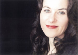 Porträtfoto der Autorin Elena Eden